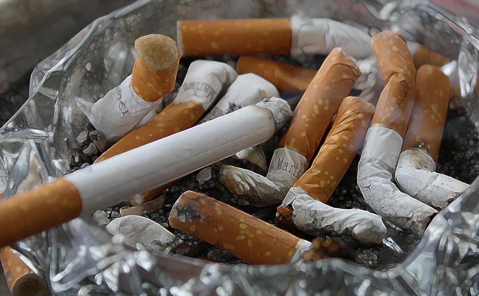 タバコ臭い実家から逃げたい。ブログやる理由は嫌なことから逃げるためでいい
