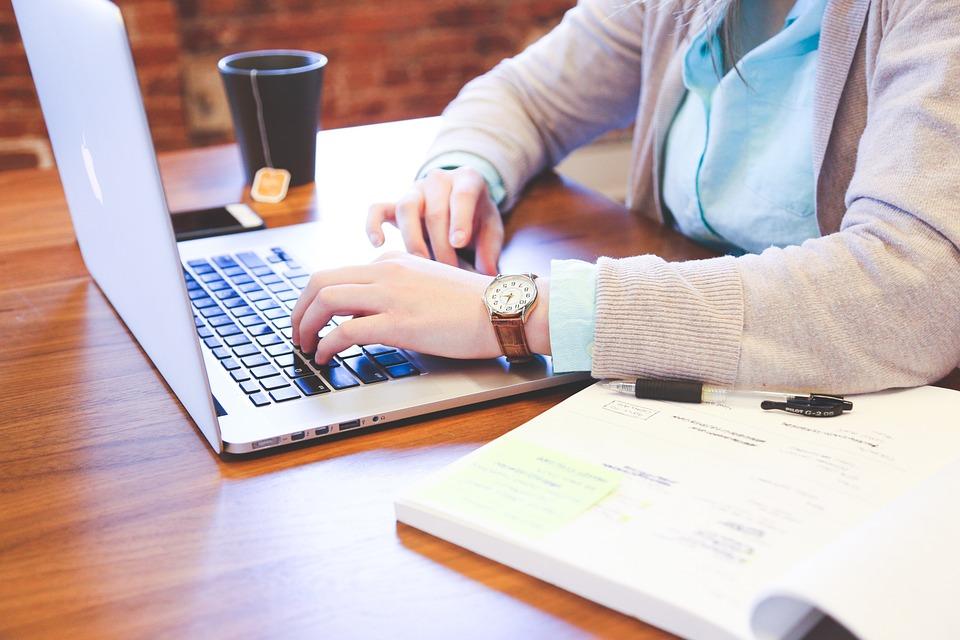 初心者でも収入を稼げるやり方って?ブログアフィリエイト実践講座